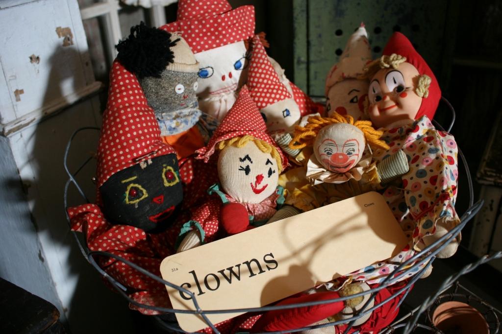 clowns-in-basket-51
