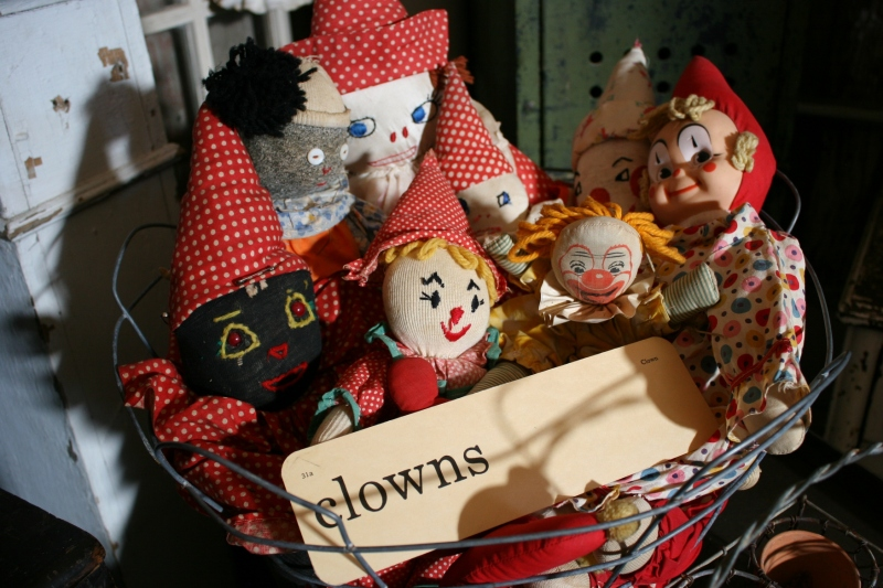 clowns-in-basket-51