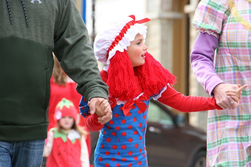costume-parade-198-raggedly-ann