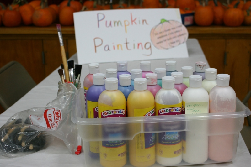 Kids can paint and take home a pumpkin. Yup, that's free, too.