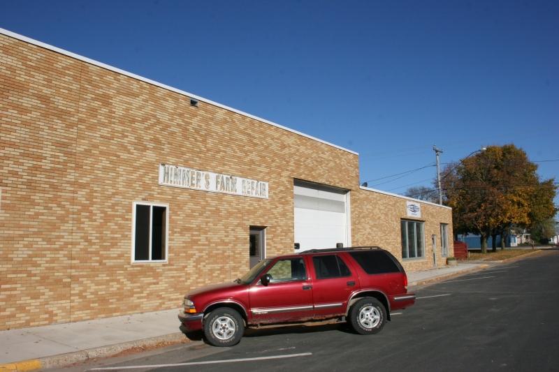 rural-mn-15-farm-repair-shop-in-hayfield