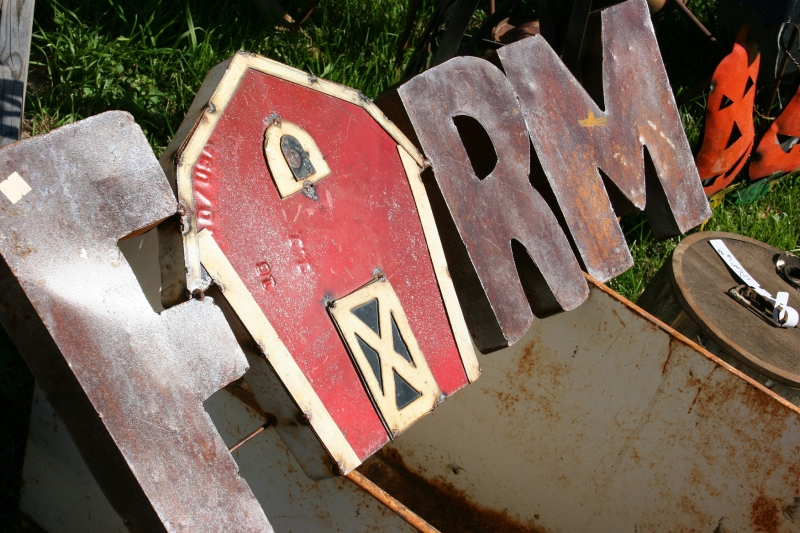 rustic-hinge-sale-90-farm-sign