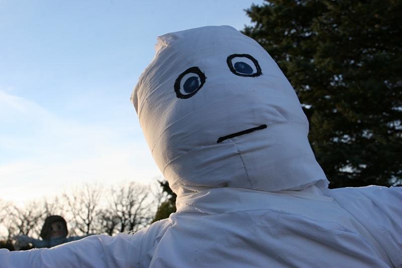 scarecrow-contest-264-mummy