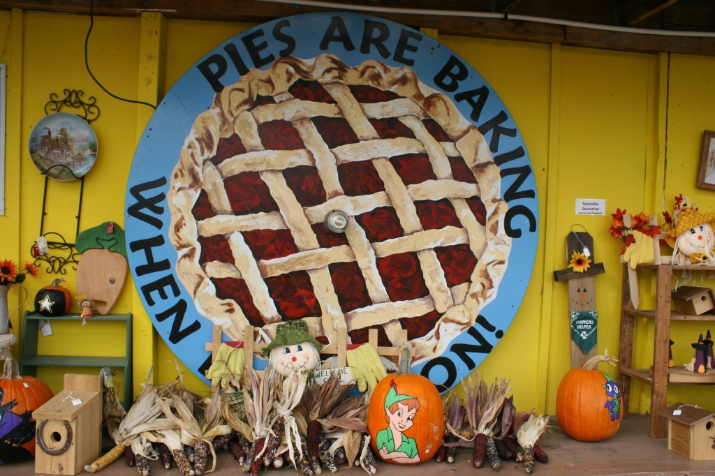 On the exterior pathway to the candy store entrance, this sign alerts customers to the availability of homemade pies.