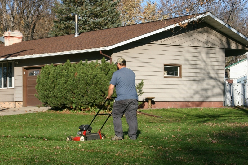 Almost unbelievable: mowing lawn on Sunday, November 6, in Owatonna.