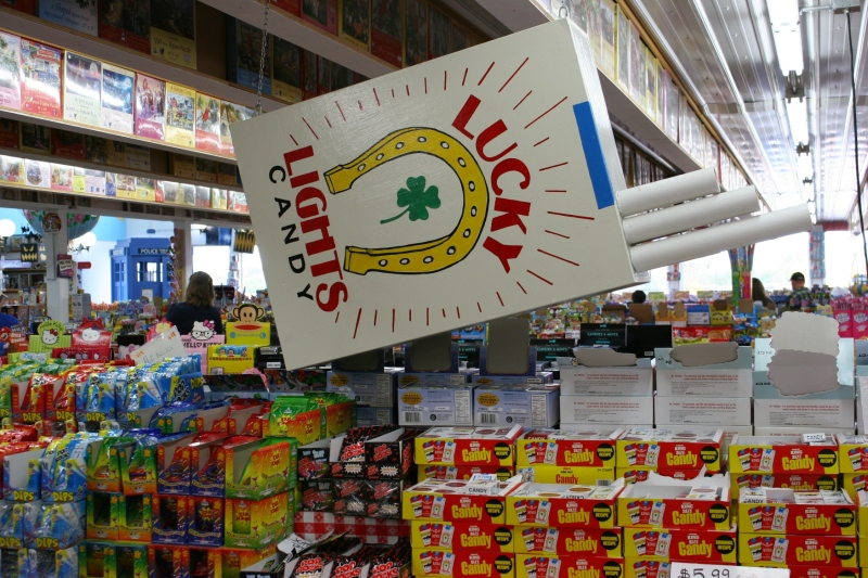 candy-store-345-lucky-strikes-cigarette-candy
