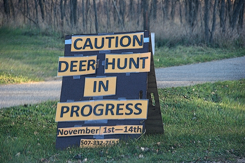 trail-1-deer-hunt-sign