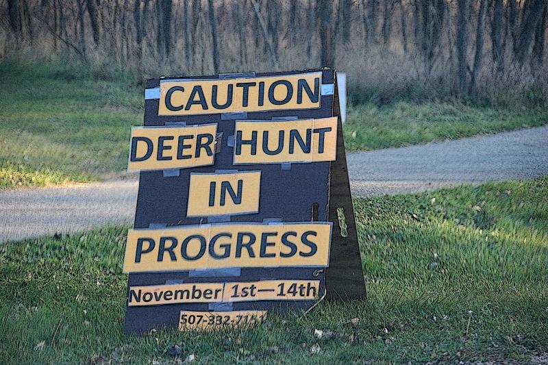 trail-1-deer-hunt-sign