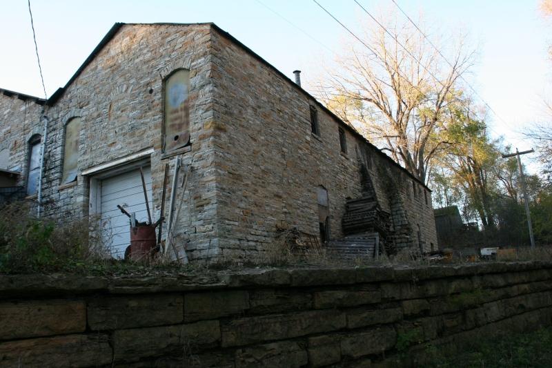 trail-12-limestone-wall-and-limestone-building