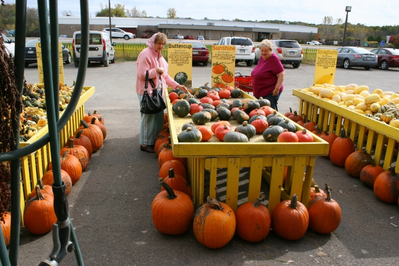 two-ladies-buying-squash-photo-323