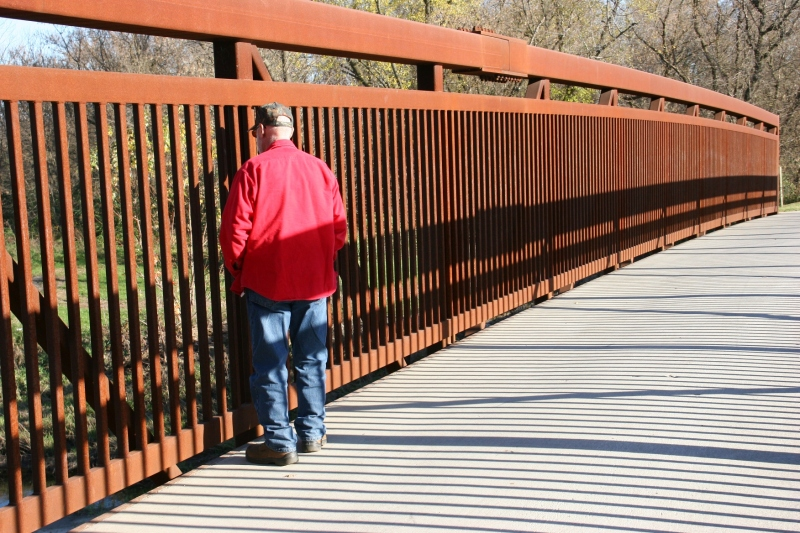 zumbro-river-221-randy-on-bridge