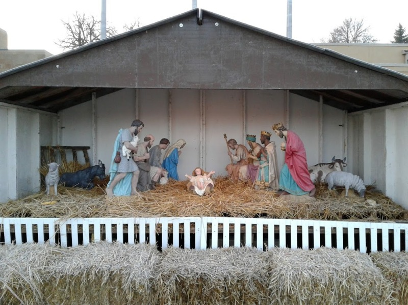 nativity-close-up-front-of
