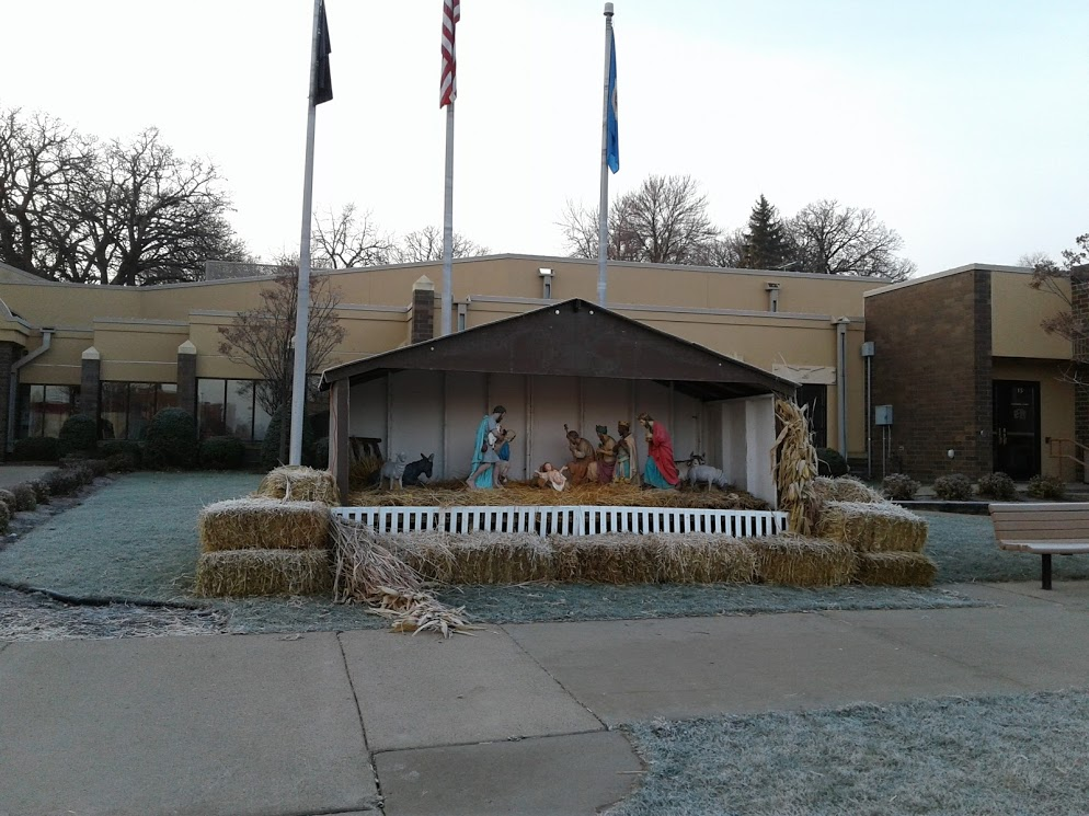 nativity-front-of