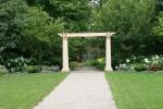 paine-gardens-105-pillars-in-garden