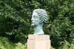 paine-gardens-132-bust