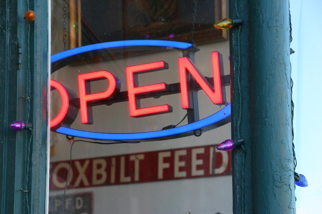 antique-shop-100-open-sign