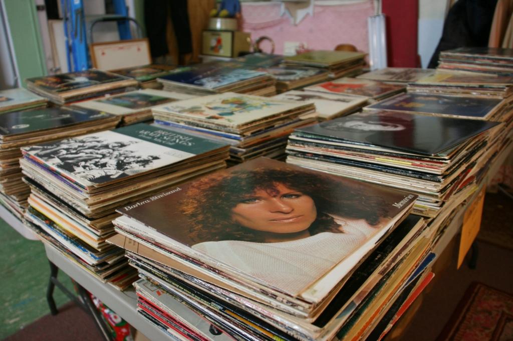 antique-shop-109-albums