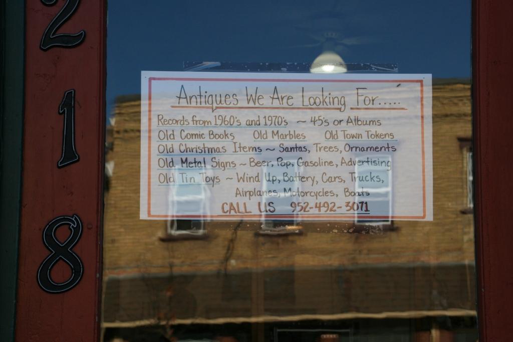 antique-shop-112-looking-for-antiques