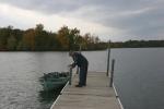 Autumn se Minnesota, #76 angler by boat in CedarLake