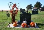 St. Jarlath Cemetery, #334 scarecrow ongravesite
