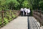 Thai gardens, #146 guys walkingto