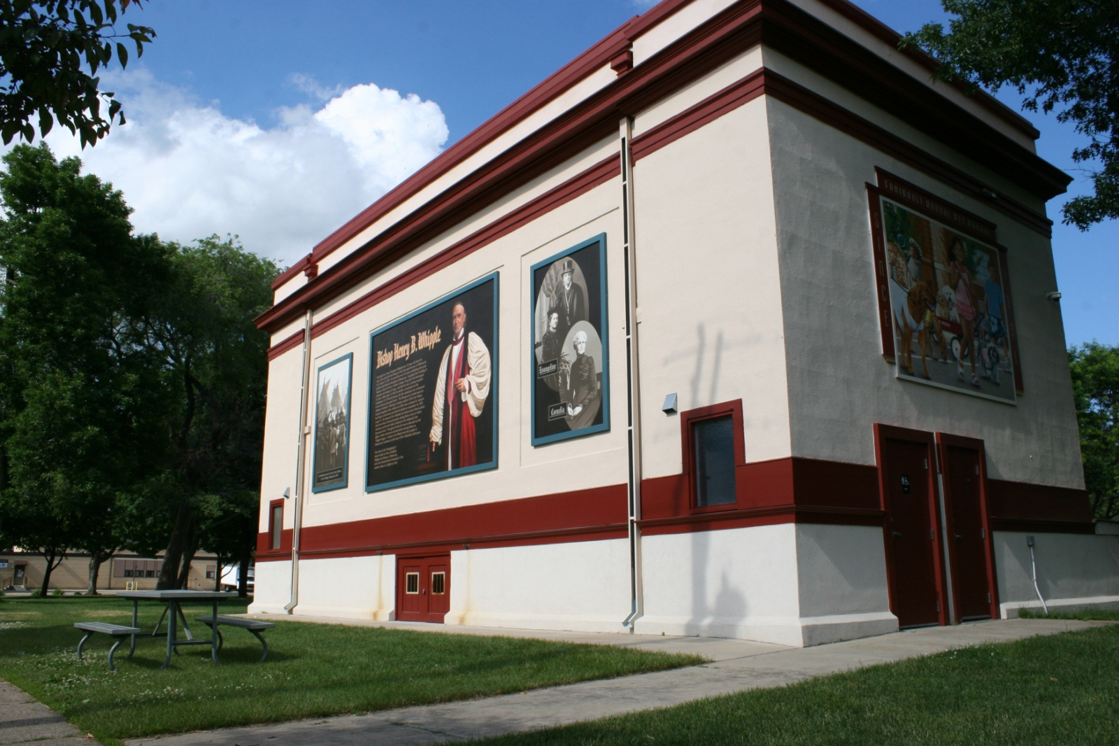"""Honoring Bishop Whipple's """"unfailing love & hope for humanity"""" on a mural in Faribault"""