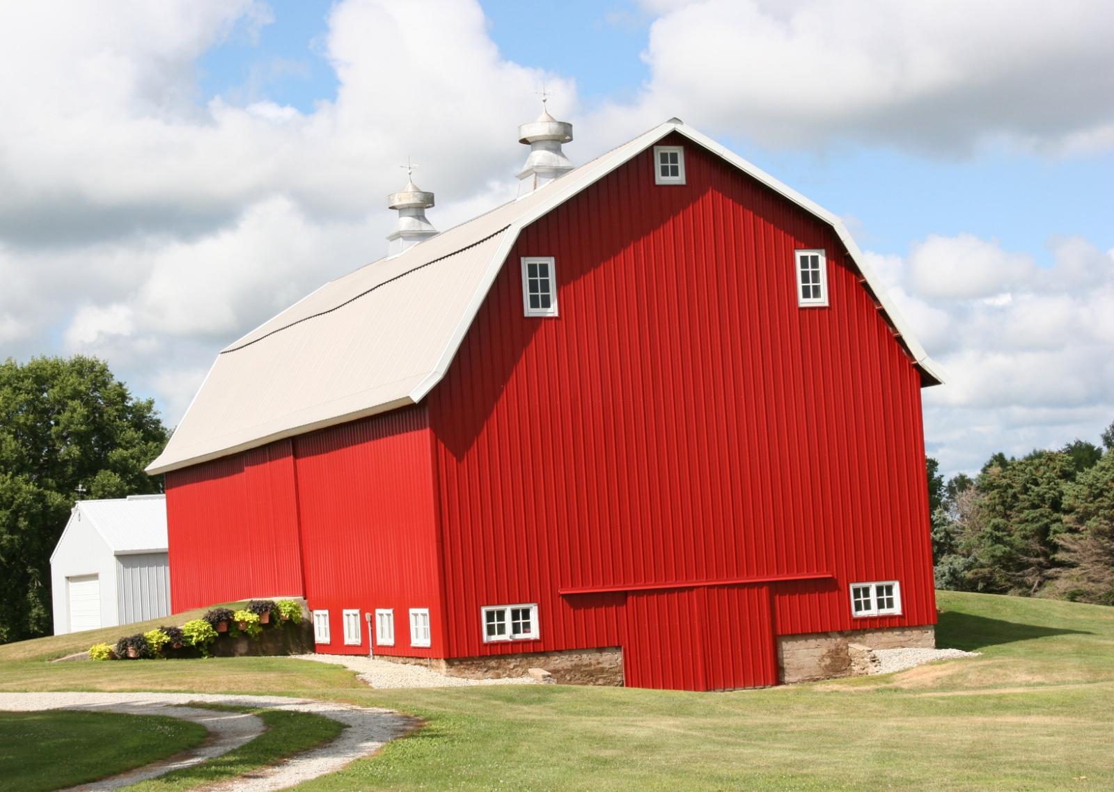 Of gravel roads, barns & cornfields